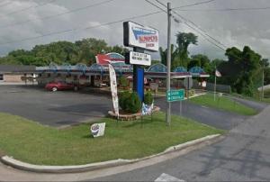 Bumpers Drive Inn - Smithville, TN